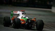 Sutil penalised for Heidfeld crash