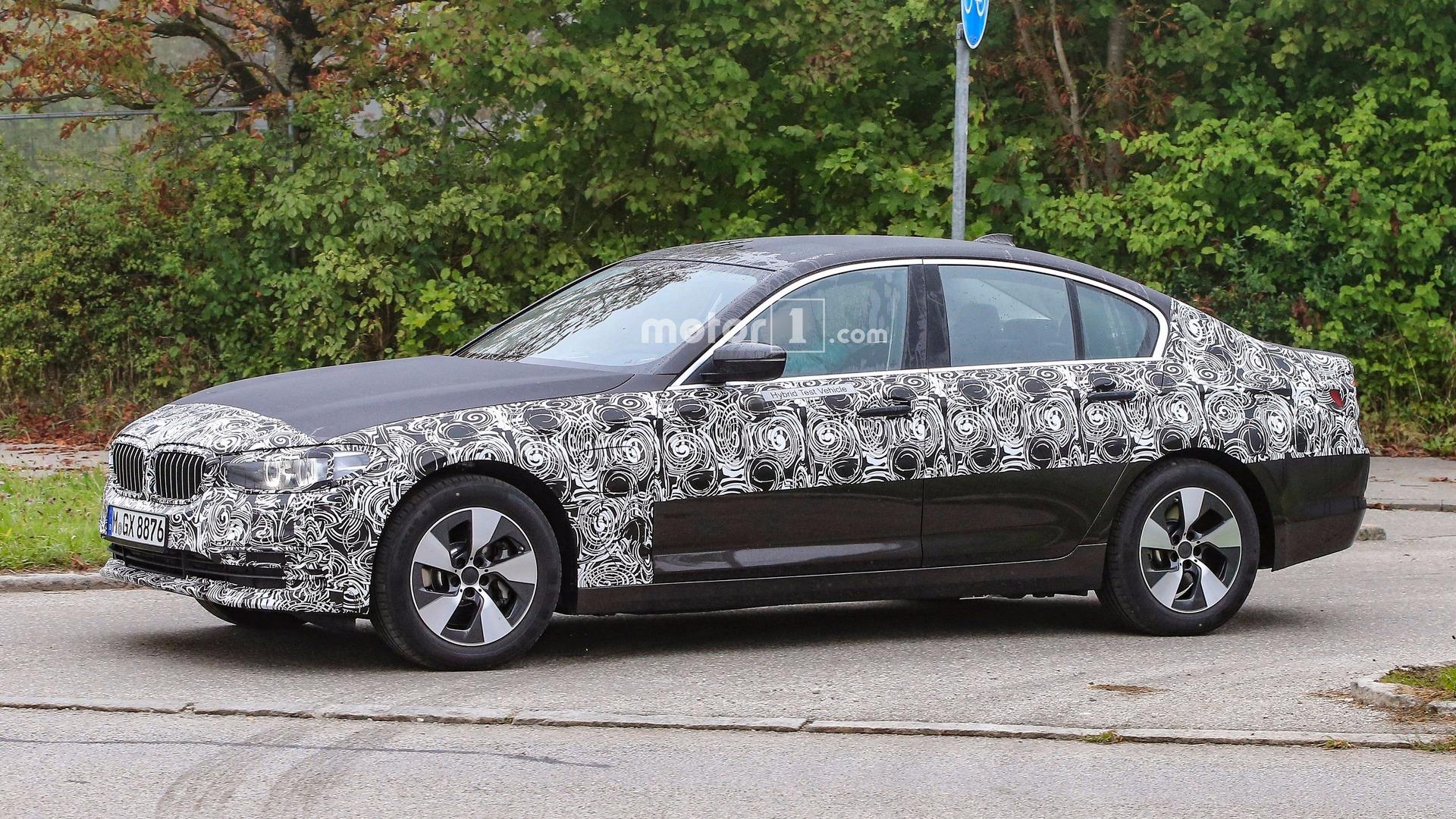New BMW 5 Series Sedan and Touring drop more camo