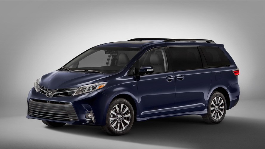 2018 Toyota Sienna Features Contentious New Face, Interior Updates