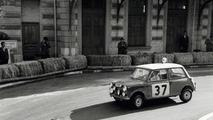 Paddy Hopkirk and Henry Liddon in Mini Cooper, Rallye Monte Carlo 1964