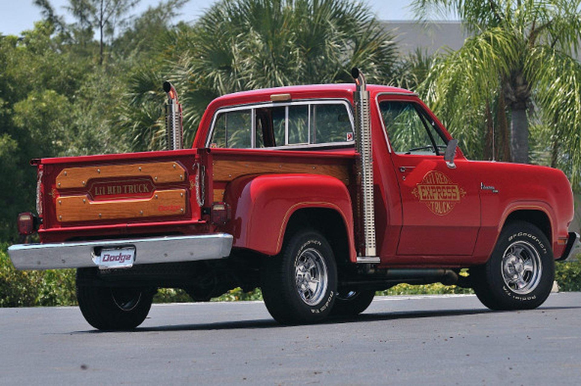 Godzilla On Four Wheels: The Story of the Li'l Red Express Truck
