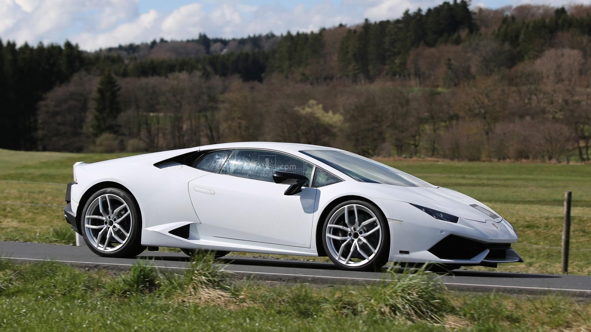 lamborghini huracan superleggera mule has six exhaust tips. Black Bedroom Furniture Sets. Home Design Ideas