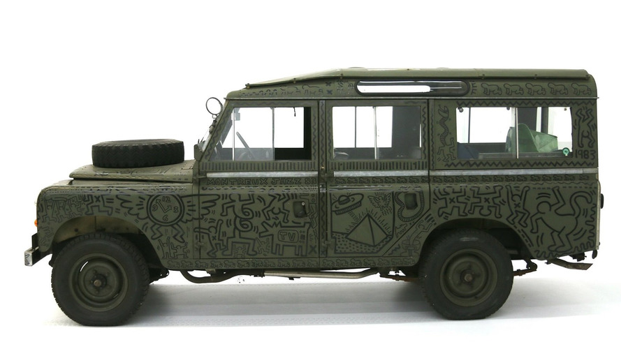 Land Rover painted by famous NYC artist on display