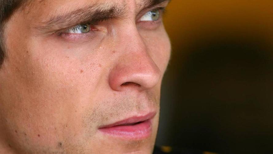 Petrov reveals Alonso fans defaced website