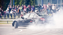 Mercedes sets world drift record [video]