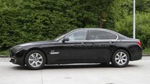 2012 BMW 7-Series spied 04.05.2011