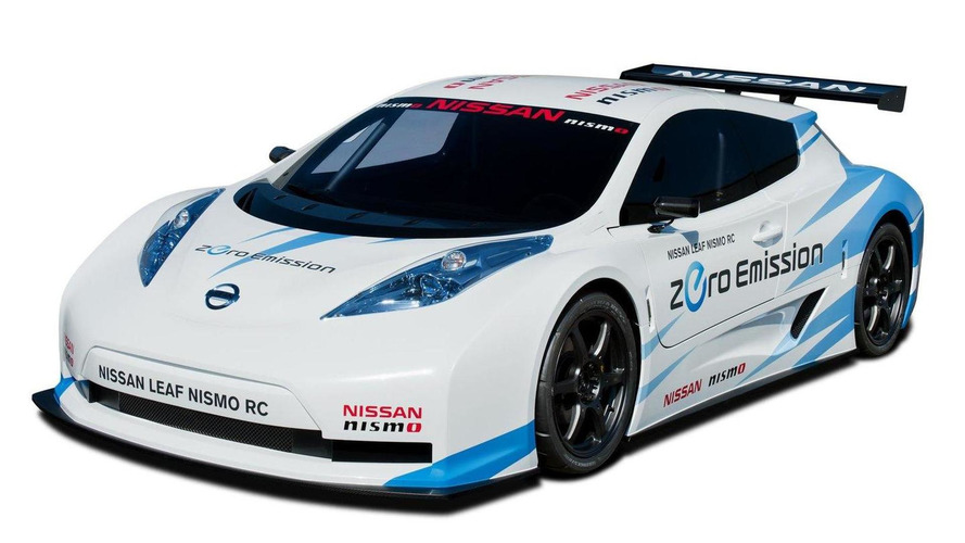 Nissan Leaf NISMO RC electric racer on the track [video]