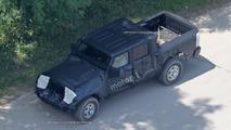 Jeep Wrangler pickup truck spy photo