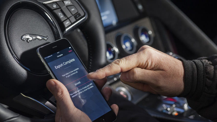 Jaguar propose de payer son plein sans sortir de son véhicule !