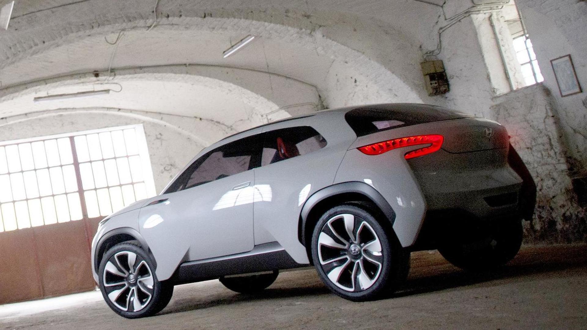 Hyundai Intrado concept sneaks out before Geneva