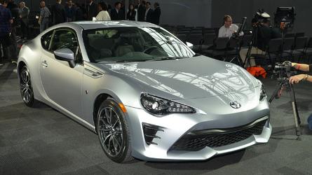 Sports cars make big sales comeback in Japan