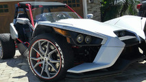 Slingshot conversion kit adds extra wheel to unique 3-wheeler