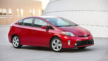 2012 Toyota Prius gets a minor facelift