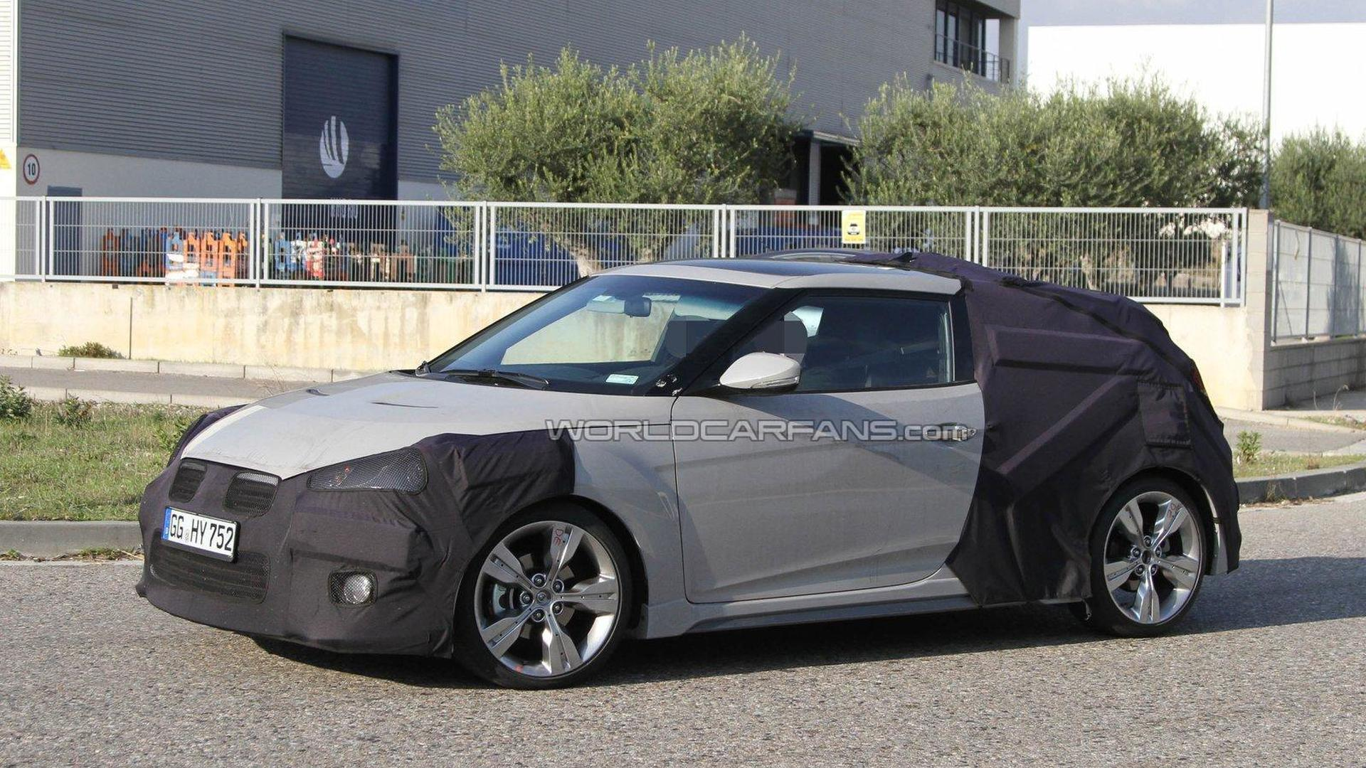 2013 Hyundai Veloster Turbo spied again