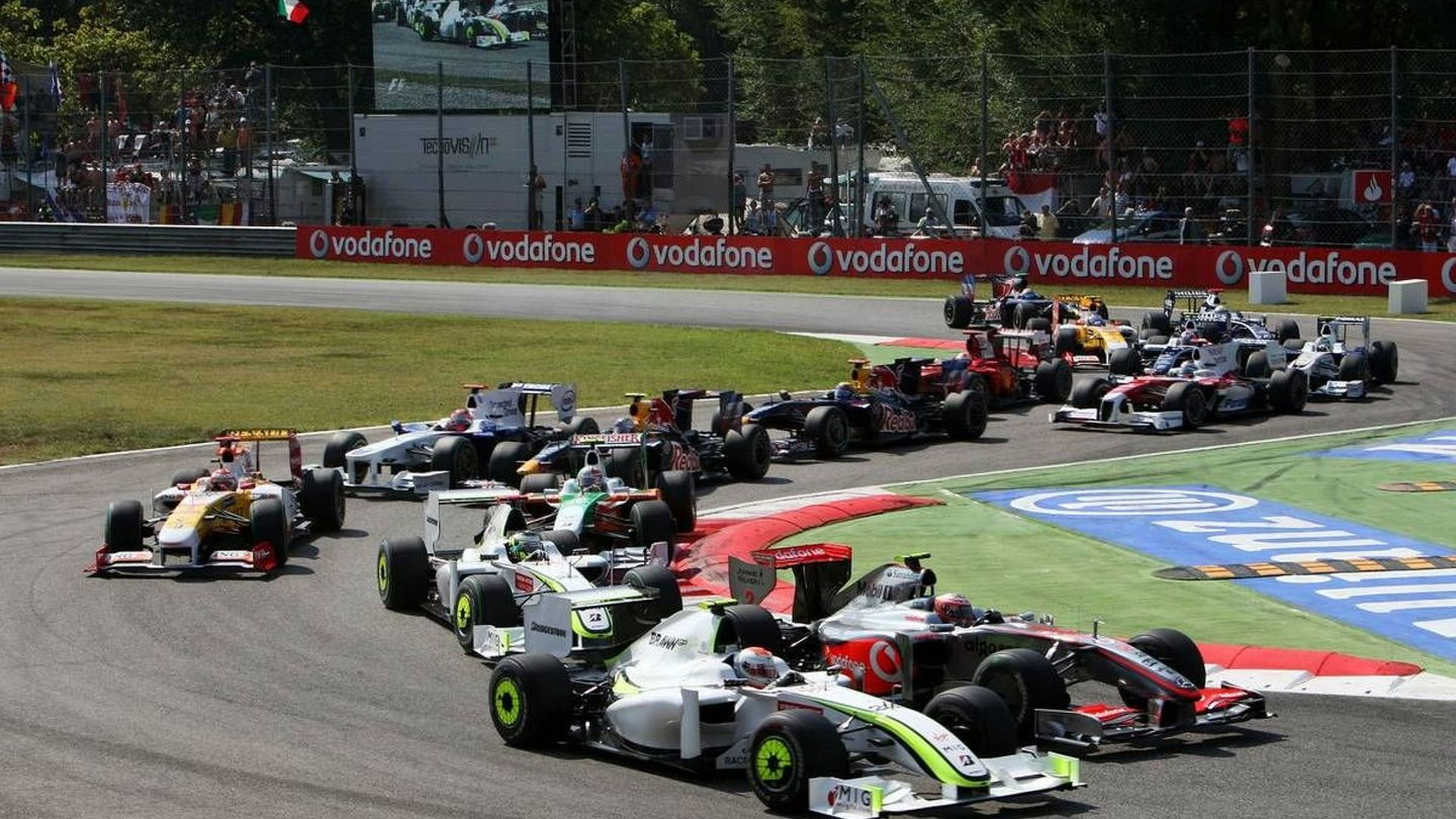 Third cars possible for young drivers - Head