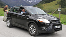 Ford Kuga to get minor facelift [spy photos]