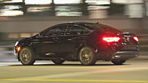 2015 Chrysler 200 spied in the evening without camouflage