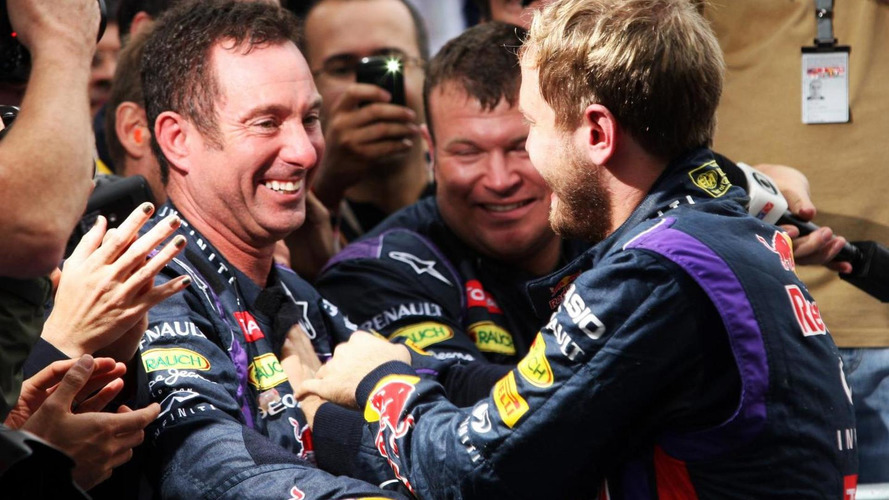 Vettel mechanic Handkammer leaves F1