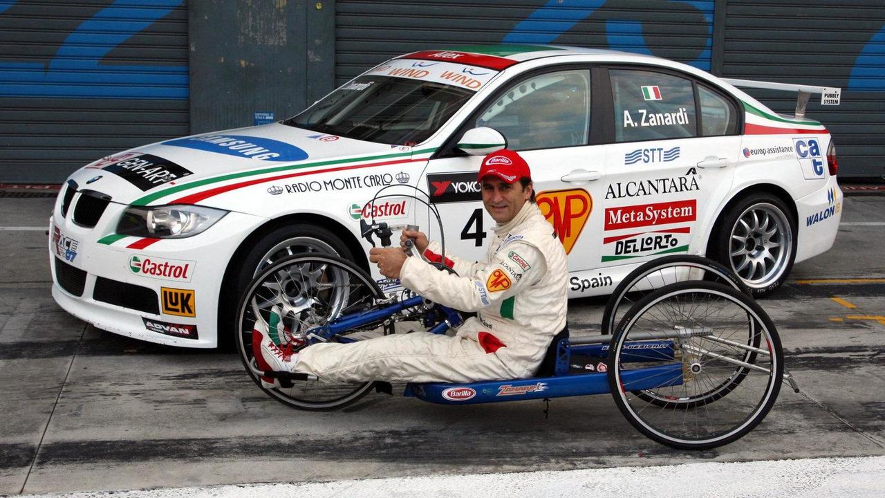 Alessandro Zanardi with special build hand bike, WTCC, Monza, Italy, 07.10.2007