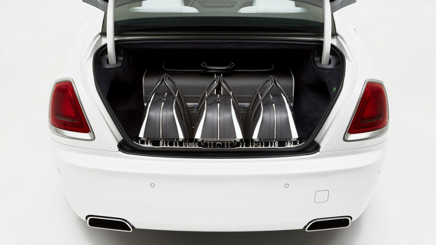 Rolls-Royce uses carbon fiber for $45,854 Wraith luggage set