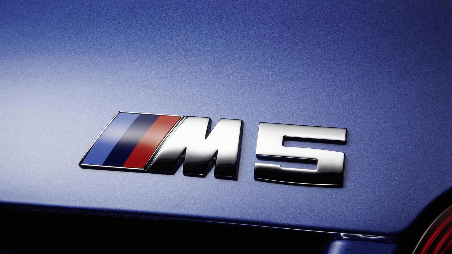The Stig does the M5 [video]