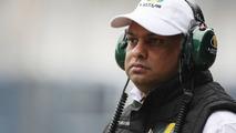 Team boss Fernandes not running Lotus team