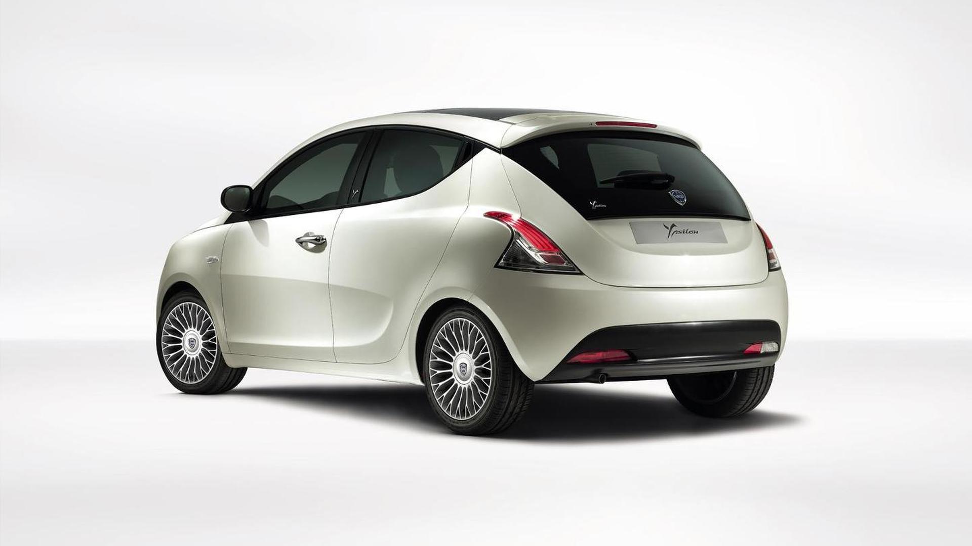 Entry-level Chrysler models axed - report