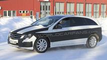 Mercedes R-Class Facelift Latest Spy Photos