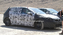 2012 VW Golf VII 5-door prototype spy photos 24.08.2011