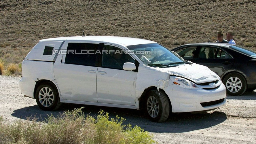 2010 Toyota Sienna Spy Photos