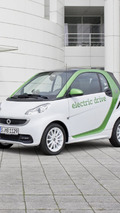 Smart revamps lineup - will bring four-seater to U.S.