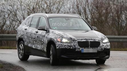 BMW X1 plug-in hybrid spied, likely badged Zinoro