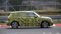2017 MINI Countryman spied cold weather testing [video]