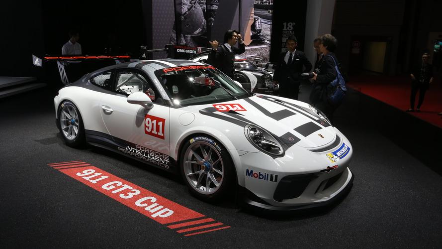 Porsche 911 GT3 Cup races into the Paris Motor Show