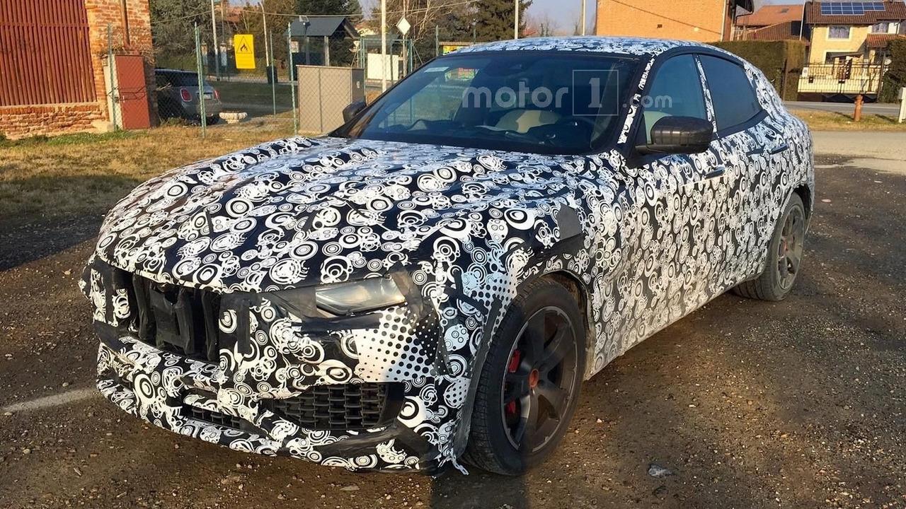 2017 Maserati Levante spy photo