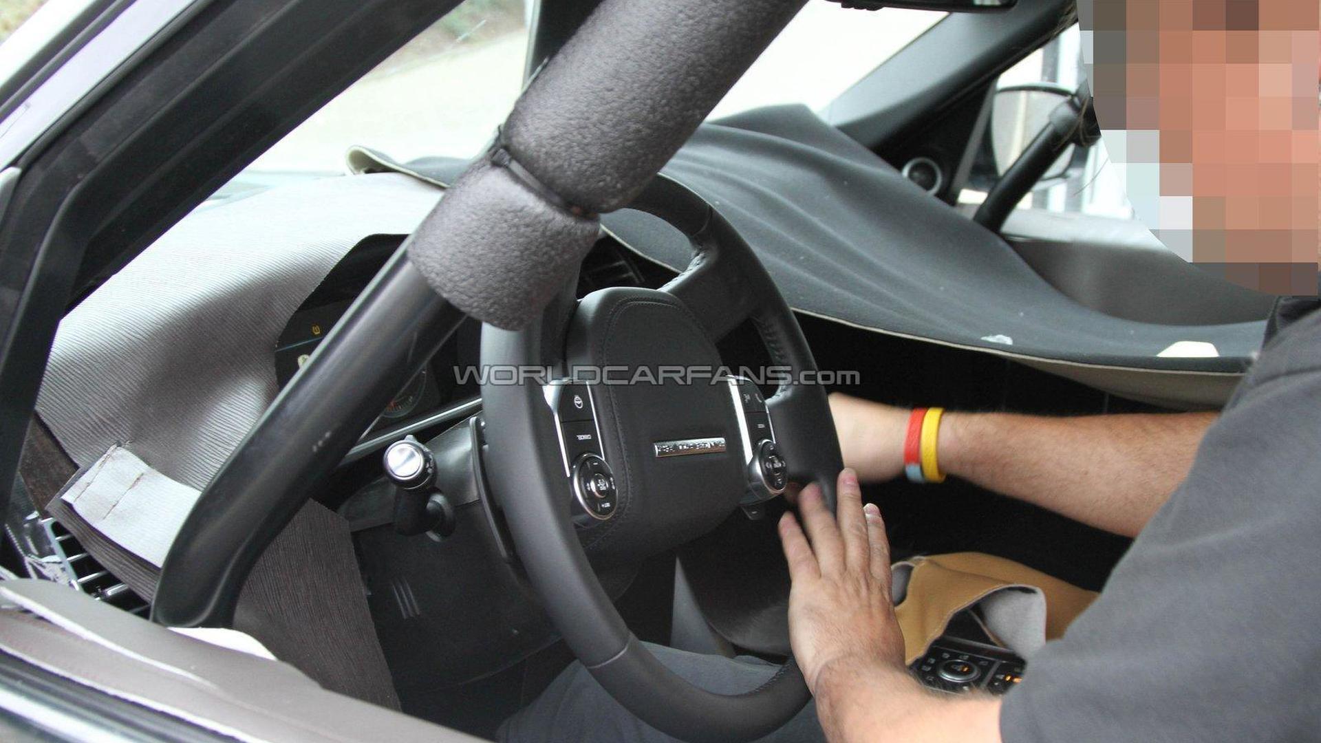 2013 Range Rover spied with interior details