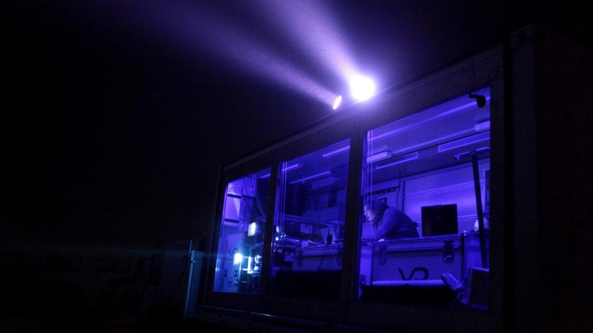 Multi Media Offroad Vehicle can make gigantic projections anywhere [video]
