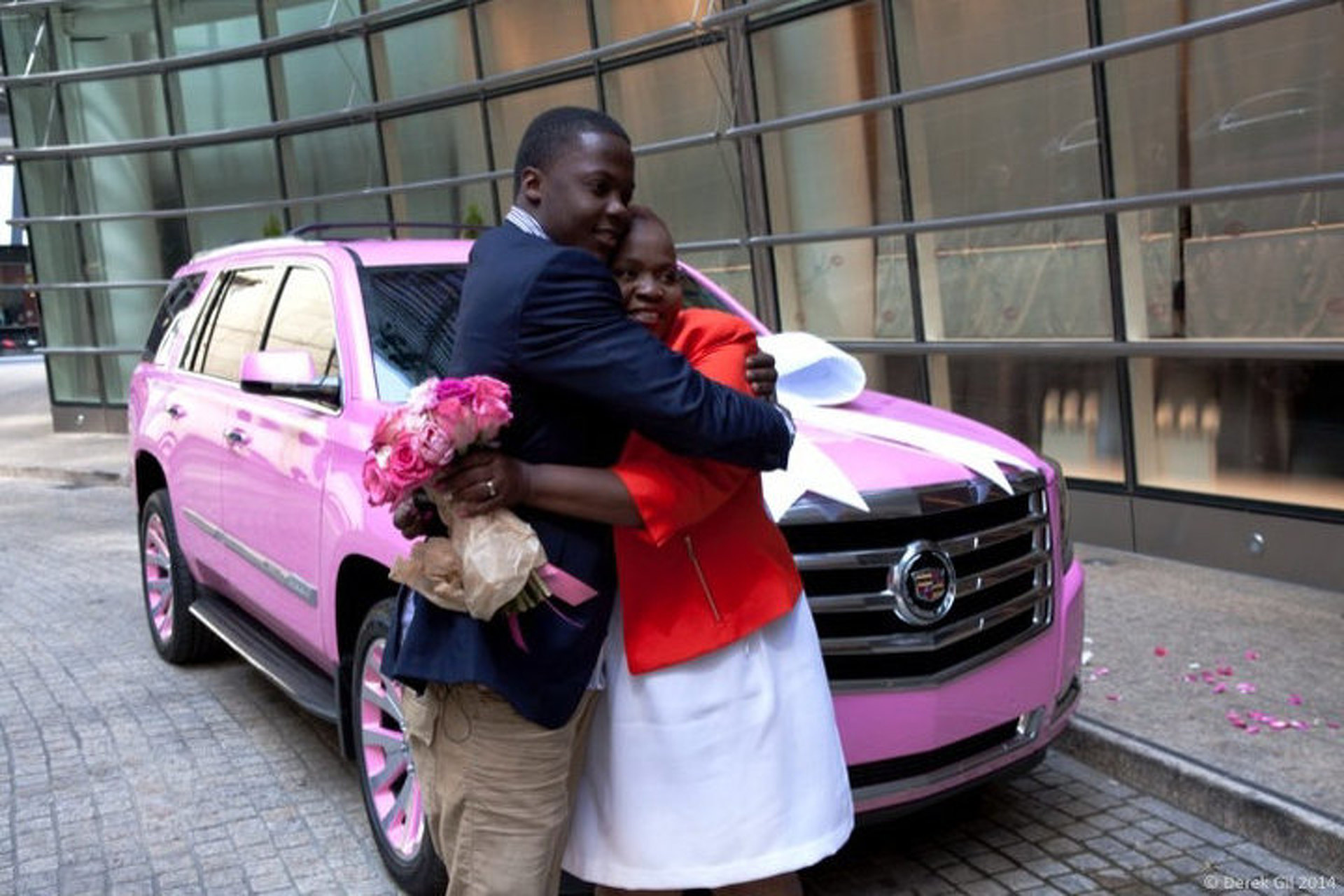 Teddy Bridgewater Got His Mom a Brand New Pink Escalade [video]