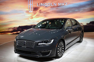 2017 Lincoln MKZ Shows Off New Look, 400HP Turbo V6