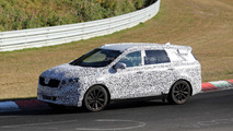 2015 Kia Borrego prototype spied in action on Nurburgring [video]