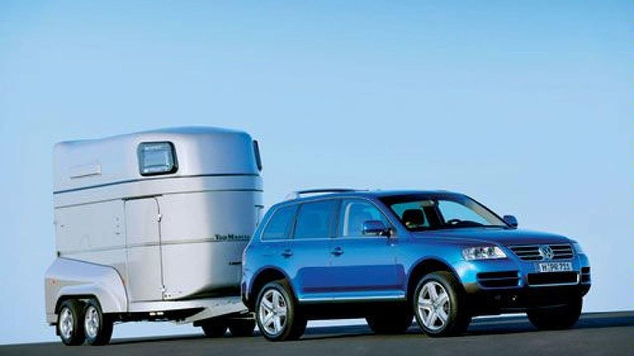 VW Touareg with trailer