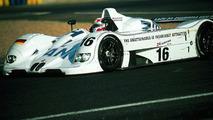 Jenny Holzer (USA) 1999 BMW V12 LMR art car