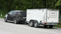 2010 Kia Ceed Plus MPV spy photos