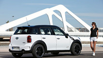 MINI Countryman Official Photos Leaked