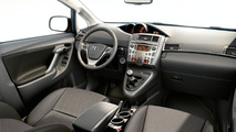 Third Generation Toyota Verso in Detail & on Video