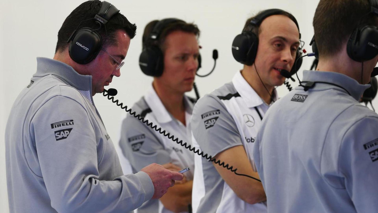 Eric Boullier with Sam Michael and Phil Prew 20.02.2014 Formula One Testing Bahrain