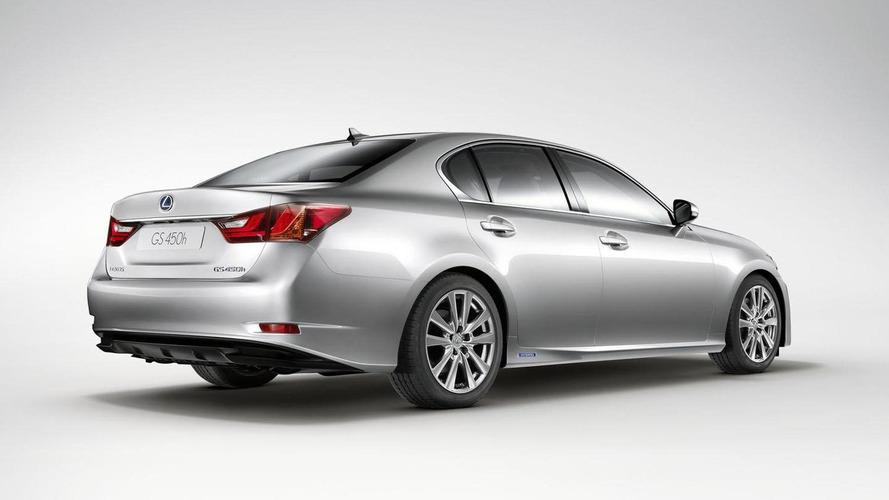 Lexus developing an entry-level GS hybrid - report