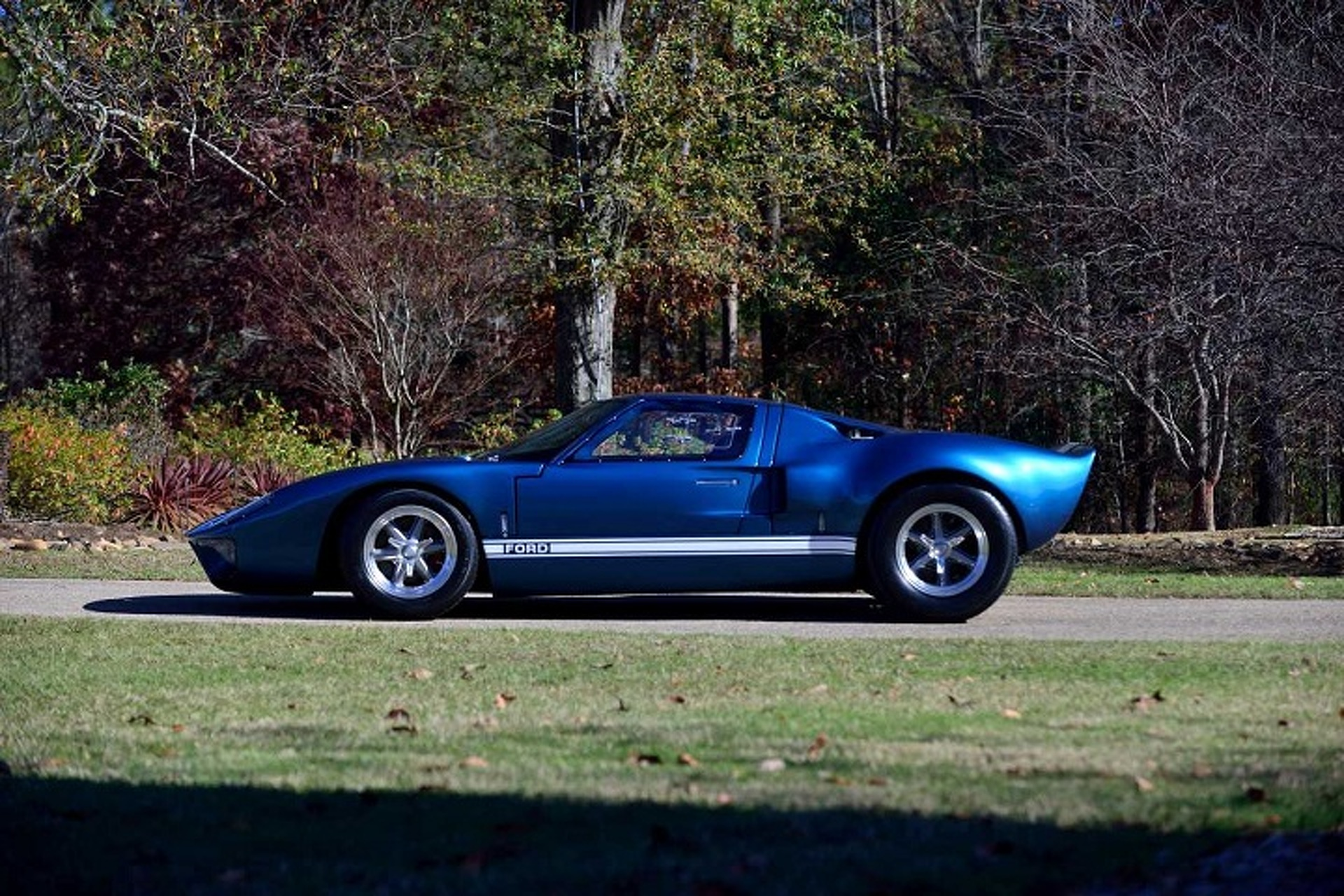 """""""Fast and Furious"""" Ford GT40 is Up For Auction"""
