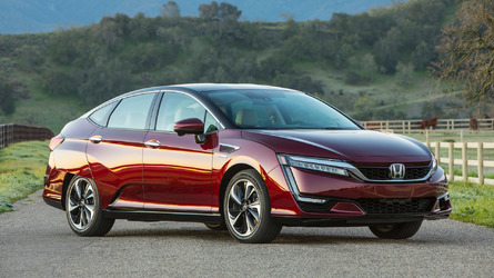 2017 Honda Clarity Fuel Cell First Drive