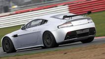 Aston Martin debuts upgraded Vantage GT4